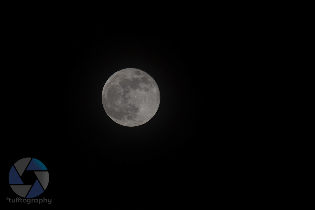 Raw moon shot from the 6D (full frame sensor)